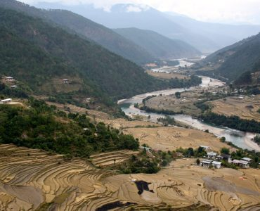 RAFTING IN PUNAKHA